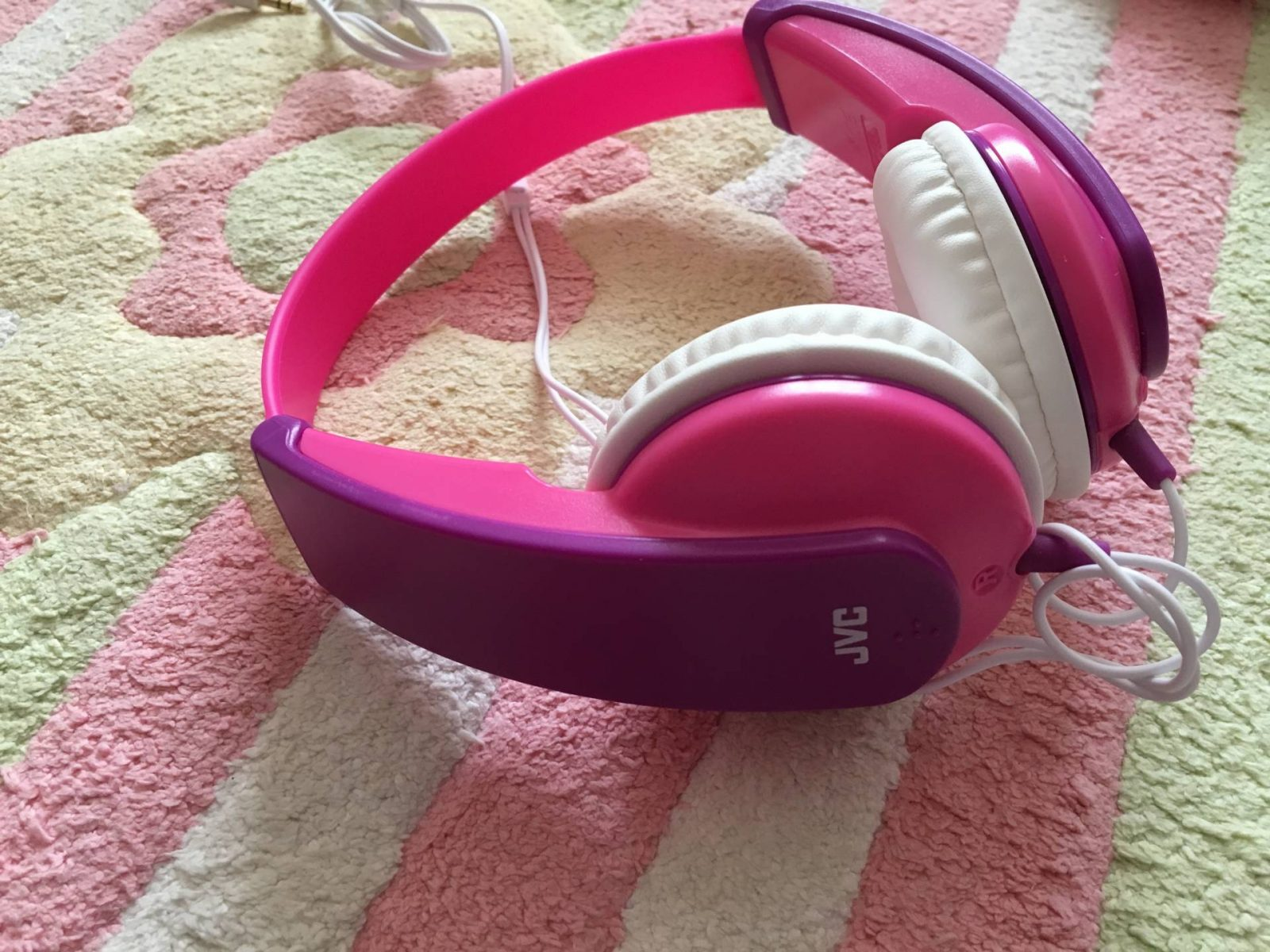 Holly-headphone