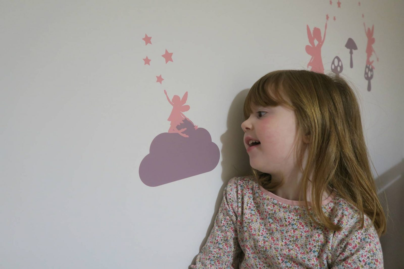 Creating the Perfect Girls Bedroom with Stickerscape…