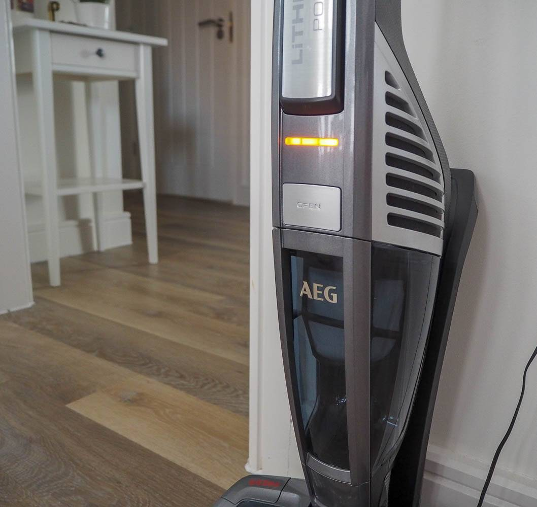 AEG Power Cordless Vacuum Cleaner…The Gift Of Love?