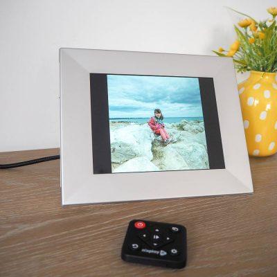 Review:Nixplay Iris Digital Photo Frame…Plus A Giveaway!
