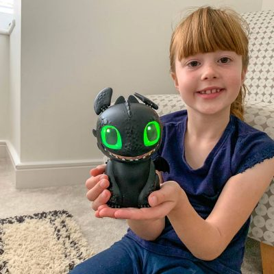 Review: Hatching Toothless – How To Train Your Dragon:The Hidden World!